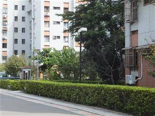 麥帥新城面中庭花園二樓