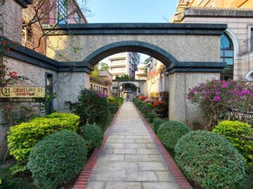 ❋風光旖旎❋超美中庭花園❋別墅四房❋雙車位車庫❋